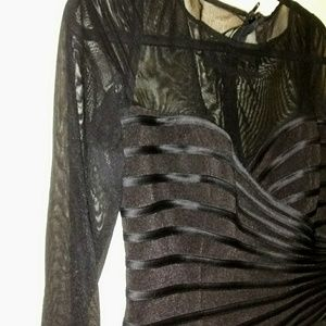 JS collections bandage style top w sheer sleeves